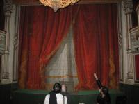 Château de Digoine, le rideau de scène du petit théâtre