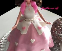 Gâteau poupée barbie en pâte à sucre