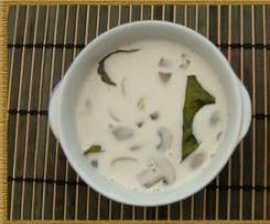 soupe de poulet au lait de coco (tom ka kai) thai