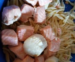 Trofie aux tagliatelles de courgettes, saumon, st Jacques sauce citronnée