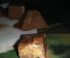 Chocolats maison au lait coeur praliné croustillant