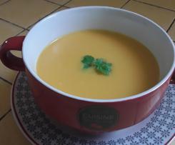 Velouté de butternut poireaux et crème de coco
