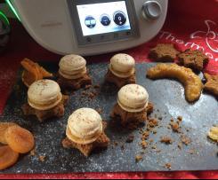 Macarons au foie gras, chutney d'abricots et raisins blonds🌙 sur pains d'épices étoilés ⭐️ .