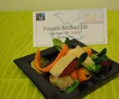 Légumes d'hiver crus cuits sur caviar de topinambours