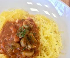 Spaghettis de courge sauce tomate et champignons