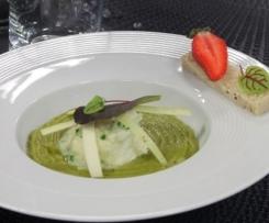 Blanc-manger sur lit de Saint Nectaire et pois gourmands parfumé au poivre de sichuan