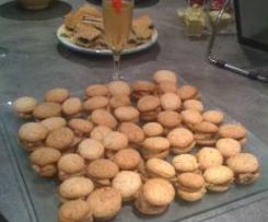 Macarons au foie gras et compotée de figues/oignons