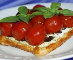 feuilleté arlequin aux tomates cerises
