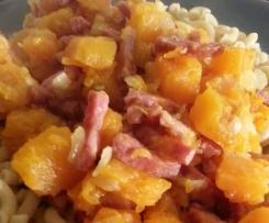 Pâtes aux dés de potiron et au jambon cru