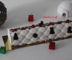 Bûche façon forêt noire (crème vanille, crémeux chocolat et cerises griottes)