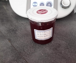 Confiture de prunes rouge.