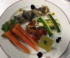 Filet de Loup Croustillant & sa Farandole de Légumes Accompagné de son Velouté de la Mer
