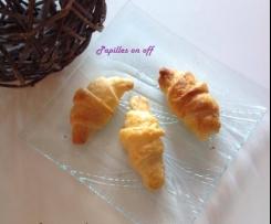 Croissants apéritifs saumon, philadelphia et aneth