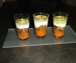 Verrines de mousse de chèvre aux légumes d'été, coulis de poivron rouge et émulsion de basilic