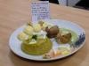 Truite au croustillant aux noix.  Purée de poireaux .sabayon de verts de poireaux accompagnée de financiers au Saint-Marcellin