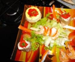 salade avec cheesecake et galette fourrée au saumon