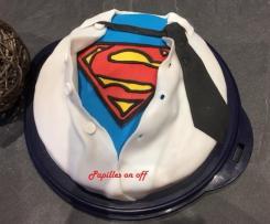 Gâteau superman en pâte à sucre – Gâteau super papa