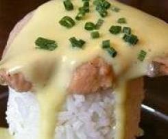Pavé de saumon riz sauce hollandaise pour 2 personnes