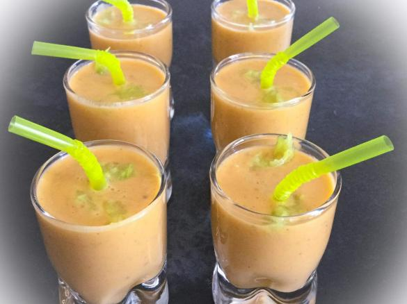 Soupe froide courgettes tomates par siwily une recette de fan retrouver dans la cat gorie - Recette soupe thermomix ...