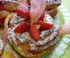 Paris Brest à la fraise, crème amande et saveur de rose