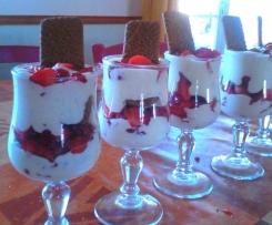 Tiramisu fraise/spéculos/mousse vanille.