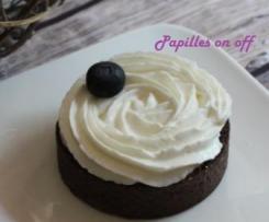 Tartelettes cacao, confit de myrtilles et mousse de fromage blanc