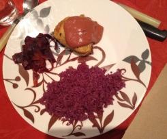 Suprêmes de volaille sauce velour , riz et tagliatelles de légumes