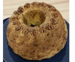 Kouglof aux noix et aux lardons