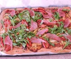 Pizza chèvre, courgette et tomates confites