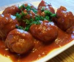 boulettes de viande, sauce tomate et pomme de terre