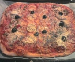 Pâte à pizza et sa sauce tomate