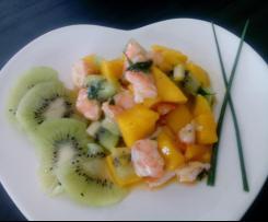 Tartare de crevettes , mangue et kiwis