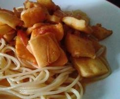 Lamelles de calamars, sauce tomate et crème