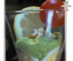 Crème d'avocat, œufs de caille et surimi