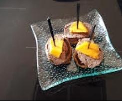 Blinis au pain d'épices et sa mousse de foie de volaille à la mangue
