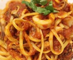 Linguine aux calamars sauce tomate et chorizo