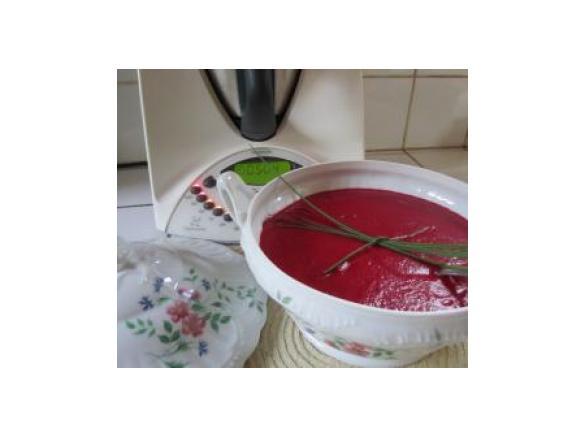 velout vermillon la betterave rouge par jolynoise une recette de fan retrouver dans la. Black Bedroom Furniture Sets. Home Design Ideas