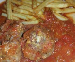 boulette de viande accompagne de sa sauce tomate maison