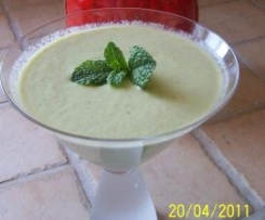 gaspacho au concombre et à la menthe