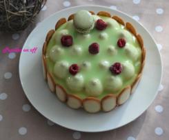 Entremets pistache, vanille et framboises