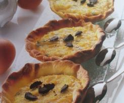 tartelettes aux oeufs brouillés et truffe