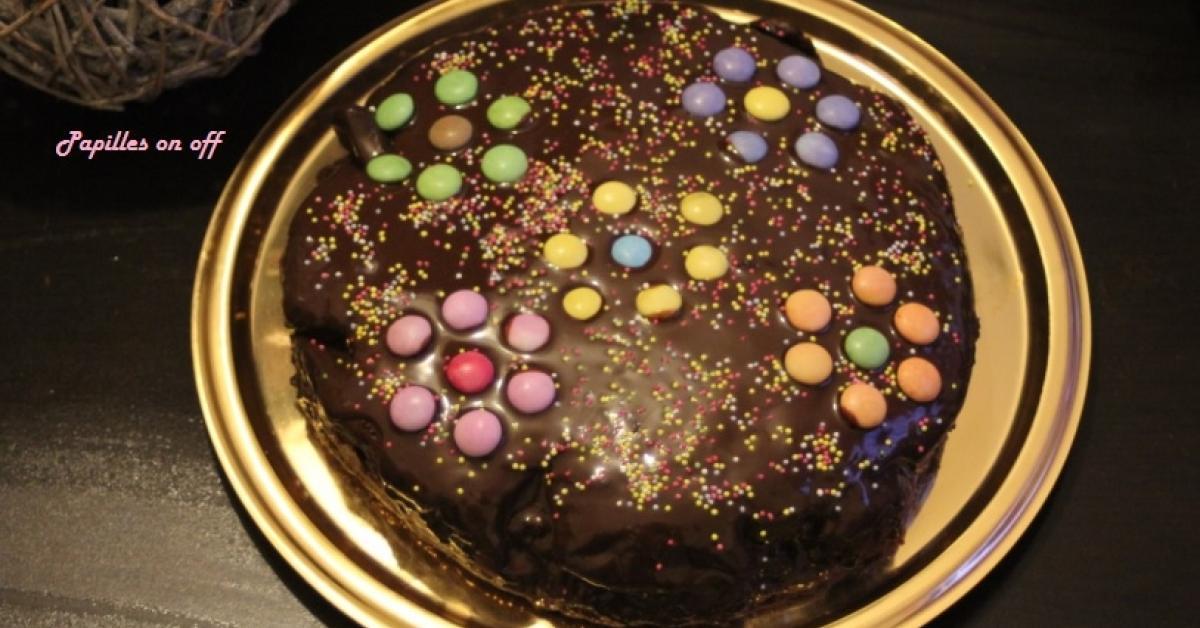 G teau d 39 anniversaire pour enfant chocolat nappage chocolat smarties par papilles on off - Recette gateau anniversaire enfant ...