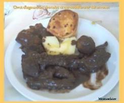 Civet d'agneau au chocolat et ses soufflés au baies roses