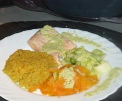 Saumon citronné vapeur, tagliatelles de légumes et quinoa au curry