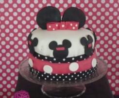 Pièce montée en pâte à sucre Minnie (Gâteau  génoise, ganache montée chocolat blanc et framboises) (Sweet table Minnie)