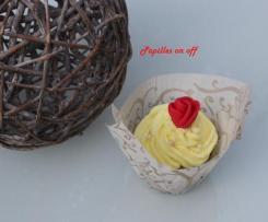 Cupcakes La Belle et la Bête (Cupcakes banane, pépites de chocolat et chantilly)– Sweet Table Anniversaire la Belle et la Bête