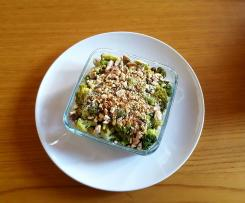 Crumble de brocoli au thon et aux fruits secs