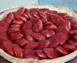 Tarte au Fraise, crème patissière, coulis de fraise