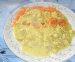 Sauté de porc au curry et tagliatelles de carottes