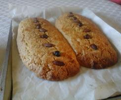 Variante Boulou (Biscuit sec croquant oriental)C'est un gâteau dont la texture se situe entre le pain et le cake trouvera également sa place sur votre table au petit déjeuner ou à l'heure du thé. Ici, j'ai réalisé le boulou nature mais habituellement on l